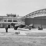 Lotnisko Okęcie, budynek główny, mechanicy przy pracy, Warszawa 1934
