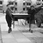 Warszawa, kwiecień 1947, fot. PAP/ Jerzy Baranowski