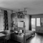 Warszawa Żoliborz, lata 60. Sady Żoliborskie – wnętrze mieszkania. Fot. Zbyszko Siemaszko/FORUM