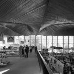 Warszawa, 1962. Supersam, największy samoobsługowy sklep spożywczy, projekt Jerzy Hryniewiecki  i Wacław Zalewski. Fot. Zbyszko Siemaszko/FORUM